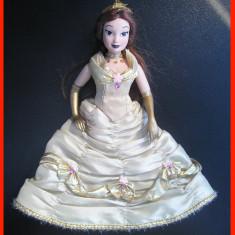 Papusa Disney - Belle (Frumoasa si bestia) - portelan (17 cm), Alte materiale