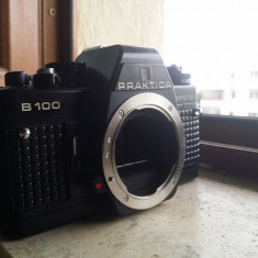 Aparat foto vintage Pentacon praktica b100 electronic cu husa RDG Okazie ! - Aparat Foto cu Film Praktica, SLR, Mediu