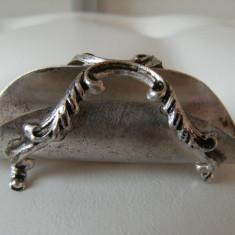 Superb suport de servetele, vechi, alama argintata, marcat ARG 1000, 40 gr, ., Inel servetele