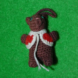 Jucarie figurina ursulet, crosetat foarte marunt si umplut cu vatelina, cu agatatoare, decor, colectie, 5cm - Figurina Povesti
