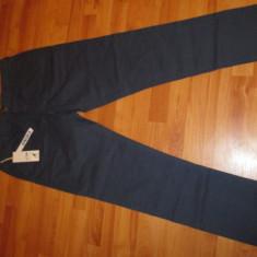 Vand pantaloni chinos Kangol, originali, noi. - Blugi barbati Jack & Jones, Marime: 34, 36, Culoare: Bleumarin