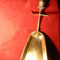 Metal/Fonta - Faras pt.Cenusa din Soba - cu ornament Bufnita pe Maner, suport, bronz, 29 cm