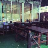 Mobilier din lemn masiv pentru terasa bar/pub