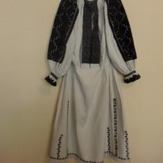 CAMASA POPULARA CU POALE (PENTRU FEMEI) DIN TINUTUL PADURENILOR - Costum popular