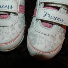 Adidasi copii, Fete, Piele sintetica - Adidasi pentru fetite, cu scai, Princess, marimea 26-27, de zi cu zi, DONATIE!