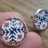 Cercei surub/fluture/cheita baza argintie cu cabochon cusaturi romanesti
