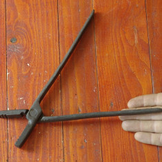 Metal/Fonta - Scule / unelte - vechi cleste de fierarie - model deosebit !!!!