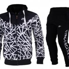 Trening Nike Barbati negru alb - Trening barbati Nike, Marime: S, M, L, XL, XXL, Culoare: Din imagine