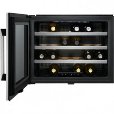 Vitrina de vinuri incorporabila Electrolux ERW0670A, 24 sticle, Clasa A+, H 45 cm, Inox antiamprenta - Combina Frigorifica