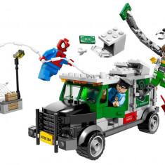 Atacul lui Doc Ock asupra camionului (76015) - LEGO Minecraft
