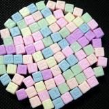 100buc Margele litere cub acril color opace mix 6mm