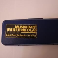 MUZICUTA MICA-MADE IN GERMANY-MARCA HOHNER ORIGINALA-CUTIE-STARE PERFECTA.