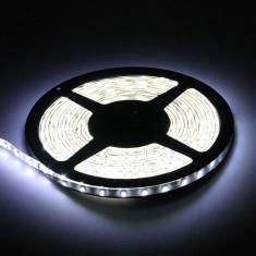 Banda led alba rece alb xenon SMD 3528 60 LED/m 5 metri autoadeziva mobila scafa Houde