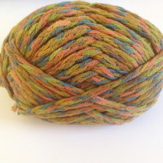 Ata - Fir de tricotat crosetat, moale, cu lana virgina 50%, pretricotat