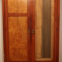 Sifonier din lemn masiv, cu 2 usi; Dulap de haine cu polite