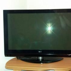 Plasma LG Diagonala 106 CM - Televizor plasma LG, 42 inchi (107 cm)