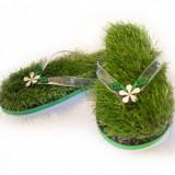 Papuci/Slapi KUSA GIRL cu iarba sintetica
