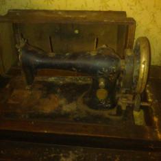 Masina de cusut Singer, foarte veche!