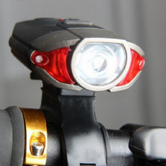 Lanterna Far Bicicleta Sau Frontala 3W 300 Lumeni Cablu USB, Faruri si semnalizatoare
