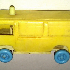 Jucarie de colectie - Jucarie veche din plastic, de tip microbuz TV / ROCAR, anii '80