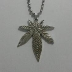 Pandantiv fashion - Pandantiv Medalion Marijuana Cannabis Iarba Rasta Jamaica
