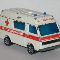 Siku - VW LT 28 Ambulanta - Macheta auto Alta