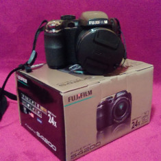 Aparat Foto Fujifilm FinePix S4200 - Aparat Foto Digital Fuji FinePix S4200 + 4 cadouri