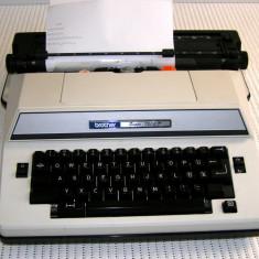 Masina de scris electrica Brother Super 7300 D(207)