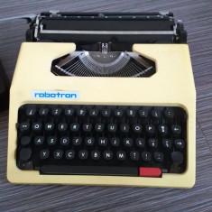 Masina manuala de scris Robotron - Cella