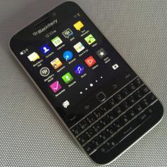 BlackBerry Q10 Classic 16GB, Impecabil, neverlocked - Telefon mobil Blackberry Q10, Negru, Neblocat