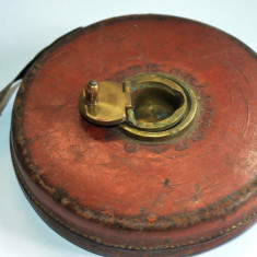 Ruleta topografica veche de panza in carcasa de piele, inceput de secol 1900