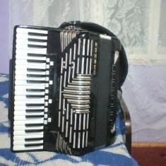Vand acordeon hohner imperator V musette 120 basi si 21 de registre