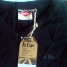 Pulover Lee Cooper Lana Merino, guler in V, marimea L -produs original- IN STOC - Pulover barbati, Marime: L, Culoare: Negru